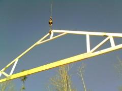 Setting a truss